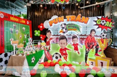 Trang trí tiệc sinh nhật chủ đề bóng đá bé Pun Trần