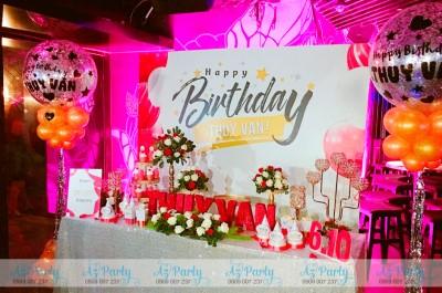 Trang trí rực rỡ tiệc sinh nhật Á Hậu Thúy Vân
